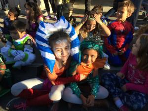 schoolhalloweenparade2015